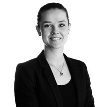 Ellie Reynolds corporate solicitor black & white